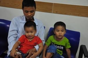 Bị ung thư hạch đã 8 năm, hiện anh Thắng đang bị tái và cần phải ghép tủy mới sống được.