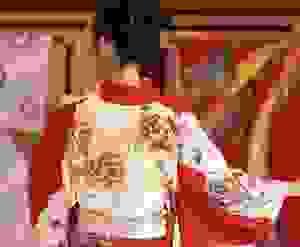 Nhuộm kimono bằng kỹ thuật Yuzen: 300 năm tuổi vẫn giữ nguyên hồn cốt