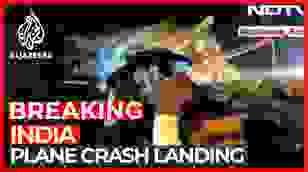 Cận cảnh hiện trường vụ tai nạn máy bay tại Ấn Độ.