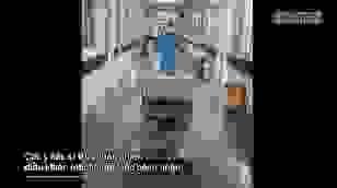 Bệnh viện C Đà Nẵng phục vụ bệnh nhân bằng robot điều khiển từ xa