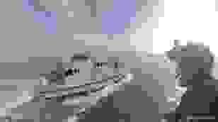 """Video đội """"người bay"""" hải quân Anh diễn tập đổ bộ tàu chiến"""