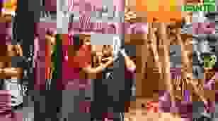 Phố Hàng Mã ngập tràn đồ chơi ma quỷ, rùng rợn trước thềm Halloween