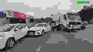 Xe chở bê tông tươi gây tai nạn liên hoàn