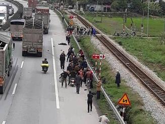 Xe tải tông đoàn người đi viếng liệt sĩ, 8 người tử vong