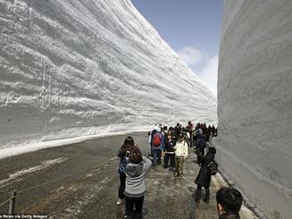 """10 thành phố ngập trong """"biển"""" tuyết vào mùa đông"""