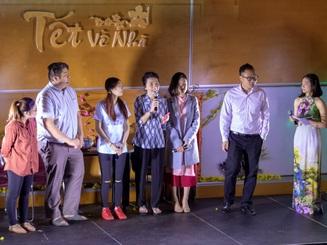 """Cộng đồng thanh niên, sinh viên Việt đón """"Tết về nhà"""" tại California"""