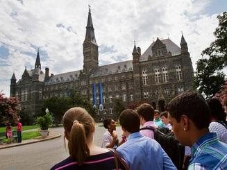 """Sinh viên trong vụ gian lận """"chạy trường triệu đô"""" ở Mỹ sẽ bị xử lý ra sao?"""