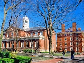 Lương cử nhân Đại học Harvard dẫn đầu khối trường Ivy League