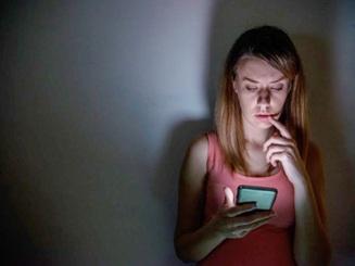 Anh: Loay hoay tìm hướng xử lý khi nạn bắt nạt trực tuyến bùng phát