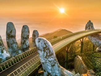 """Đòn bẩy du lịch và cuộc """"đổi đời"""" của kinh tế Đà Nẵng"""