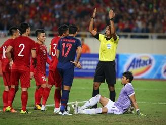 Việt Nam 0-0 Thái Lan: Hai quyết định gây tranh cãi của trọng tài