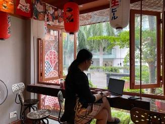 Quán cà phê kiểu Nhật cho khách tự pha chế như trong phòng thí nghiệm