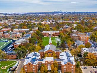 Elmhurst College tuyển sinh học hè trải nghiệm Chicago năm 2020