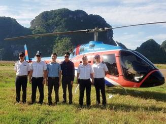 """Di sản Tràng An """"thu trọn trong tầm mắt"""" từ máy bay trực thăng"""