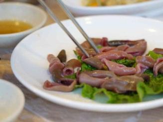 """Những món ăn """"siêu kinh dị"""", có món ăn vào... dễ tử vong ở Hàn Quốc"""