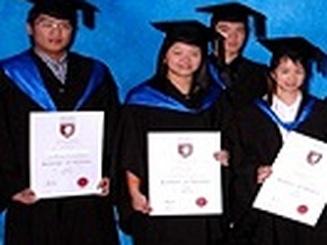 Cơ hội học bổng từ Học viện Holmes - Australia