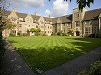 Con đường ngắn nhất để vào đại học danh tiếng tại Anh quốc