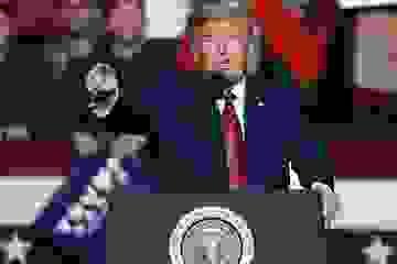 """Mỹ """"tố"""" tin tặc Trung Quốc tấn công hạ tầng bầu cử để ông Trump thất cử"""