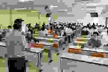 Nhật Bản: Chuyển dần sang hình thức giảng dạy trực tiếp