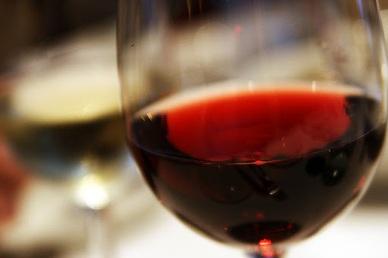 Rượu vang ủ trong không gian vũ trụ có gì khác biệt?