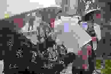 Nghệ An: Nước xả thải lênh láng cả quốc lộ, hàng trăm người dân kêu cứu