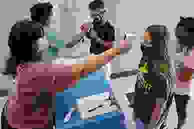 Các bang Mỹ quy định khác nhau về việc đeo khẩu trang tại trường học