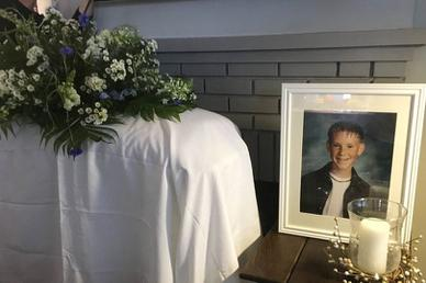 Chàng trai tham dự… tang lễ của chính mình trong ngày sinh nhật
