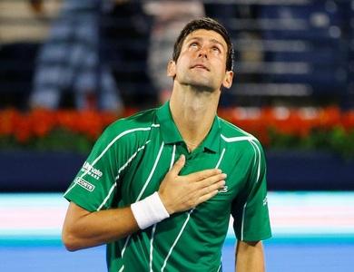 Tay vợt Novak Djokovic dương tính với virus corona
