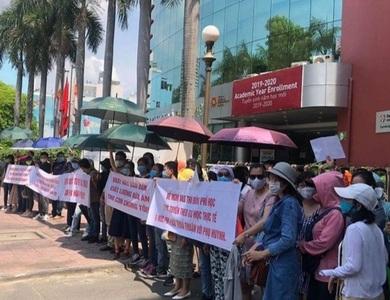 Buộc thôi học con vì... bố mẹ: Trường Quốc tế Việt Úc phản hồi
