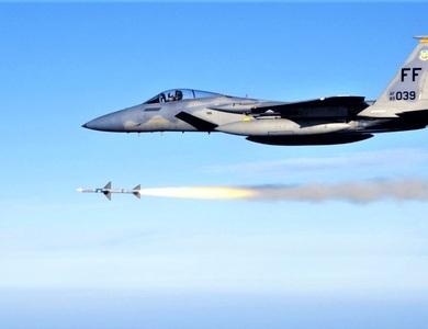 Không phải F-35, tên lửa này làm nên cuộc cách mạng trong không chiến