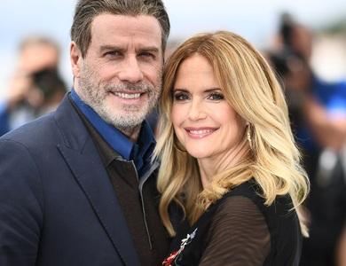 Vợ của tài tử John Travolta qua đời ở tuổi 57 vì ung thư vú