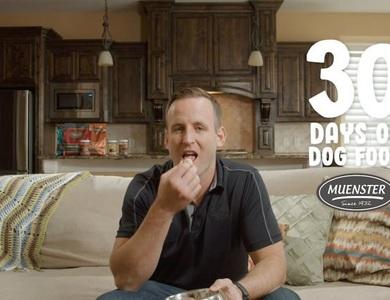 Dùng thức ăn cho chó suốt 30 ngày để chứng minh chất lượng