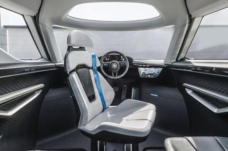 Tầm nhìn tương lai trong một thiết kế gây nhiều tranh cãi của Porsche