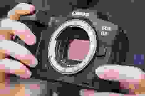 Máy ảnh EOS R5, R6 của Canon gặp lỗi quá tải nhiệt
