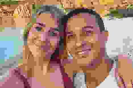 """Bà xã Thiago Alcantara hạnh phúc khi theo chồng """"cập bến"""" Liverpool"""