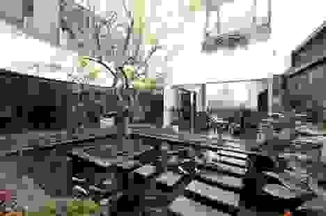 Biệt thự ở Hà Nội mát rượi quanh năm nhờ vườn cây phủ kín mặt tiền