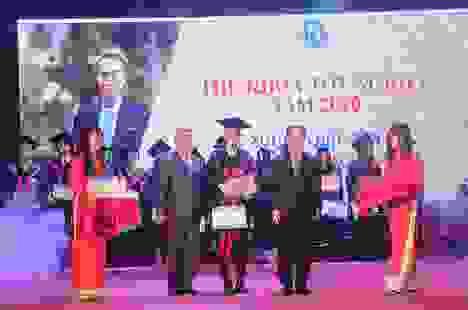 Đại học Mở Hà Nội khai giảng trực tuyến ở điểm cầu quốc tế và trong nước
