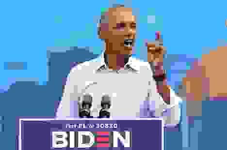 """Ông Obama mỉa mai ông Trump ghen tị vì bị Covid-19 """"chiếm sóng"""""""
