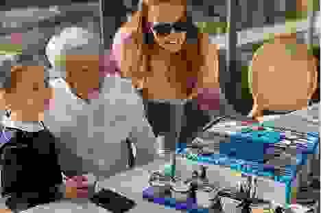 Tỷ phú U90 Bernie Ecclestone đón sinh nhật ấm áp bên con cháu