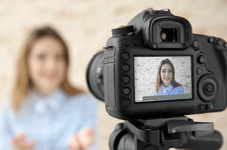 Dịch bệnh khiến doanh số máy ảnh toàn cầu giảm mức kỷ lục