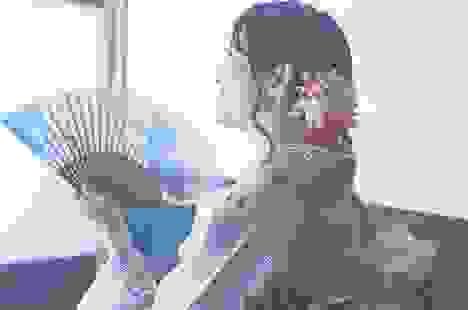 Quạt gấp sensu: Phụ kiện hoàn hảo để kết hợp với kimono