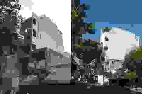 """Nhà phố Sài Gòn có cách thiết kế """"độc"""" giúp gia chủ tiết kiệm tiền điện"""