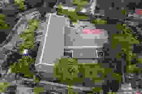 Gia đình ở Phú Thọ làm nhà gỗ xoan, mái ngói đẹp như biệt phủ