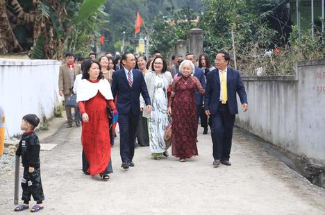 Bố mẹ Xuân Trường, Văn Toàn dự lễ cưới Công Phượng