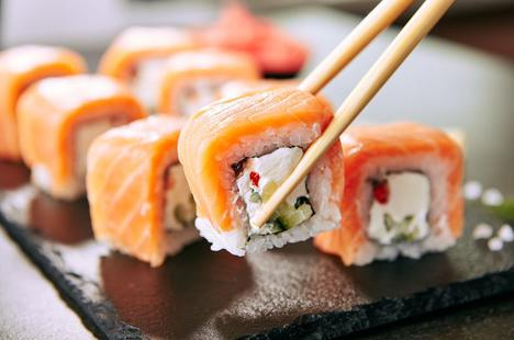 Gặp ảo giác trong nhiều tháng vì ăn sushi để lâu ngày