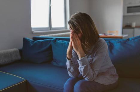 """Hãy coi sai lầm của chồng chỉ là một """"khúc cua"""" trong hôn nhân"""