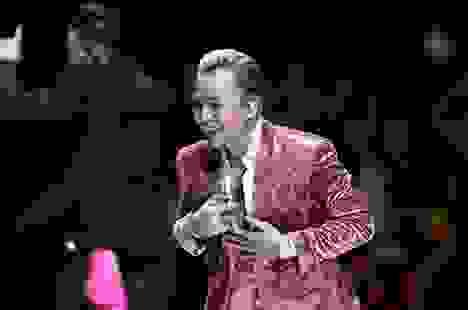 Binz chạm mặt Châu Bùi trong show thời trang