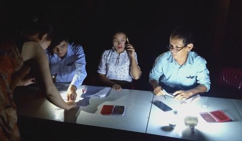 Thừa Thiên Huế: Cán bộ xã làm việc ban đêm phục vụ chi gói 62.000 tỷ đồng