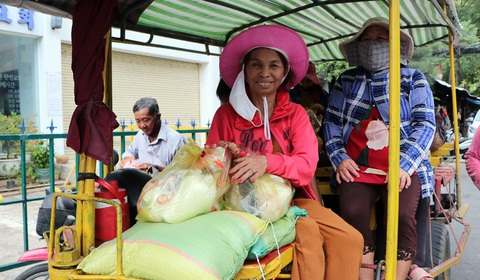 Cộng đồng người Việt tại Campuchia cùng giúp nhau vượt khó do Covid-19