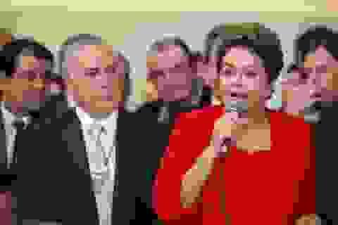 Liên minh cầm quyền tan rã, Tổng thống Brazil có thể bị luận tội